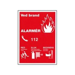 B900 - Sikkerhedsskilt - Ved brand ALARMÉR (A4 Plast)